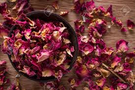 Dry Rose Petals online from PLANTVATIKA in Kushinagar